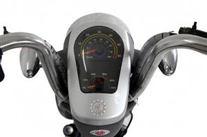 Xe điện: Nên sử dụng xe điện đồng hồ cơ hay đồng hồ điện tử?