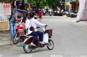 Khẩn cấp cảnh báo tình trạng tai nạn giao thông do đi xe đạp điện